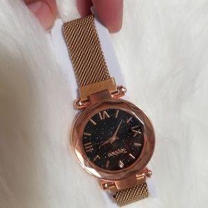 Women's watch magnetic lock